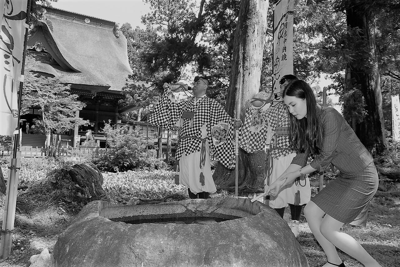 東の奥参り 出羽三山神社 鏡池特別納鏡の申込みのイメージ